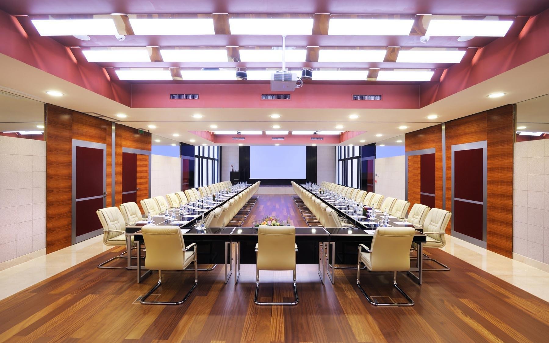 Amplificazione e diffusione sonora per sale riunioni, sale conferenza, sale congressi e convegni