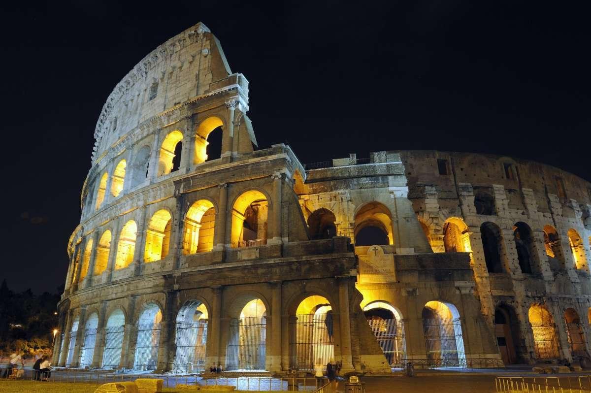 """Illuminazione """"architetturale"""" per edifici e siti di interesse storico-artistico"""